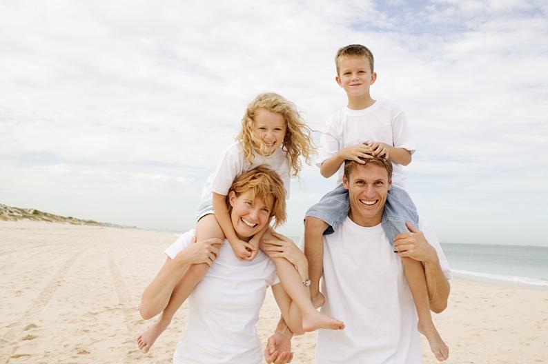 http://www.lusoia.com/images/group-health-insurance-family.jpg